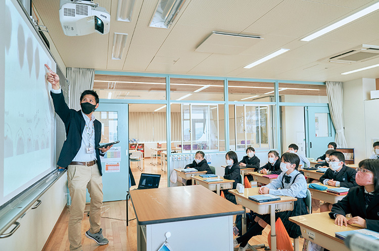 音声や動画を活用し、楽しく英語を習得